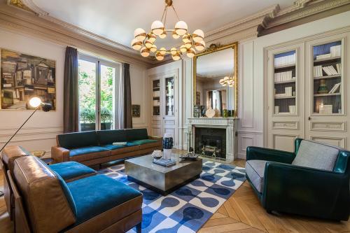 gorgeous-leather-sofas